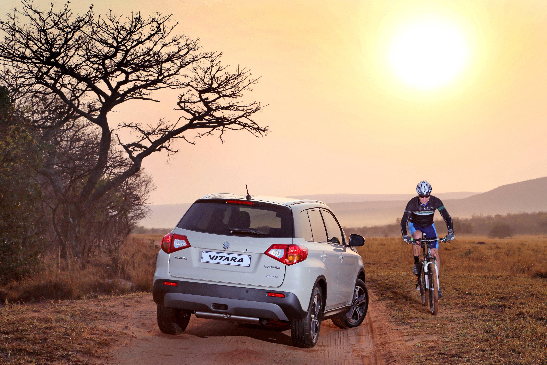 Suzuki Auto South Africa | Vitara and cyclist in the bush