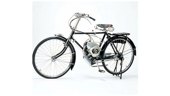 Suzuki's first cycle leading to the invention of the motorcycle