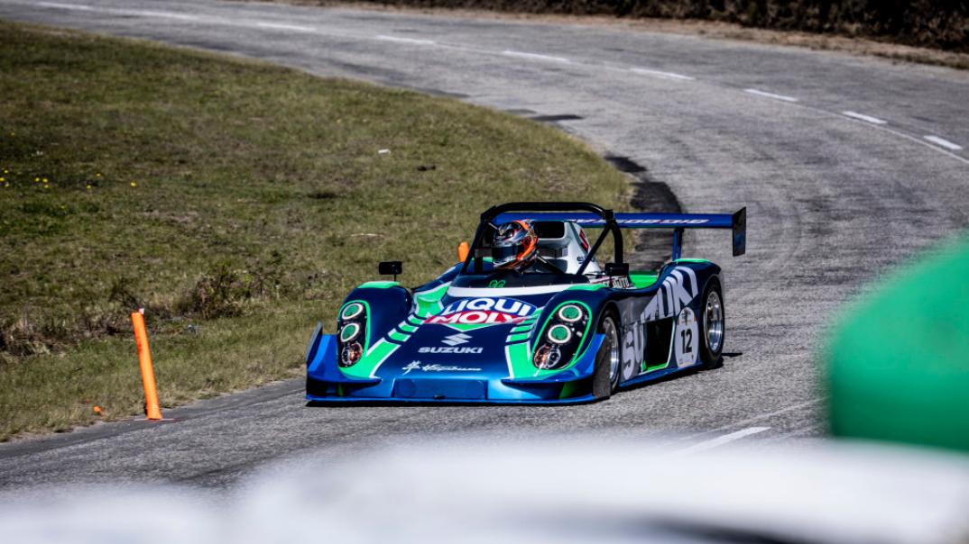 Devin Robertson drove a Hayabusa powered Radical SR1