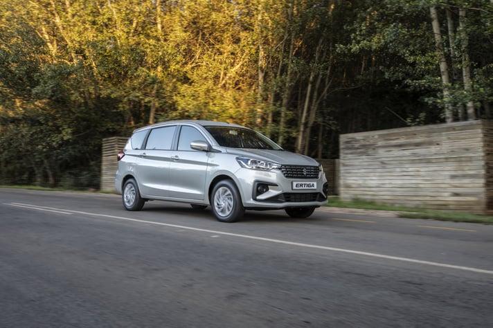 Suzuki-Ertiga-driving-on-a-tyre-road